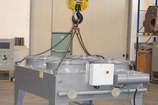 Elettroradiatore orizzontale installato sul tetto del container