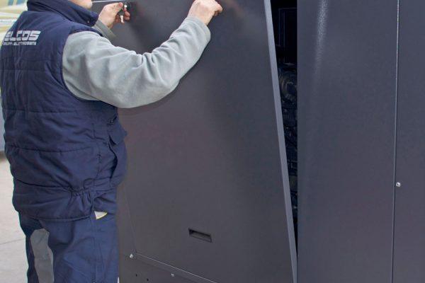 lift-off doors for narrow installation sites