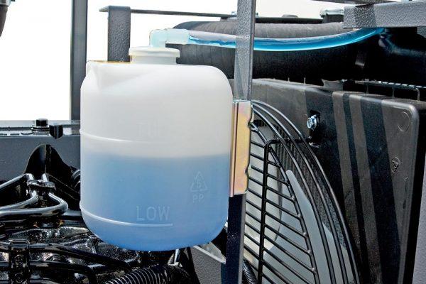 olio e antigelo -20°C sono riempiti a livello